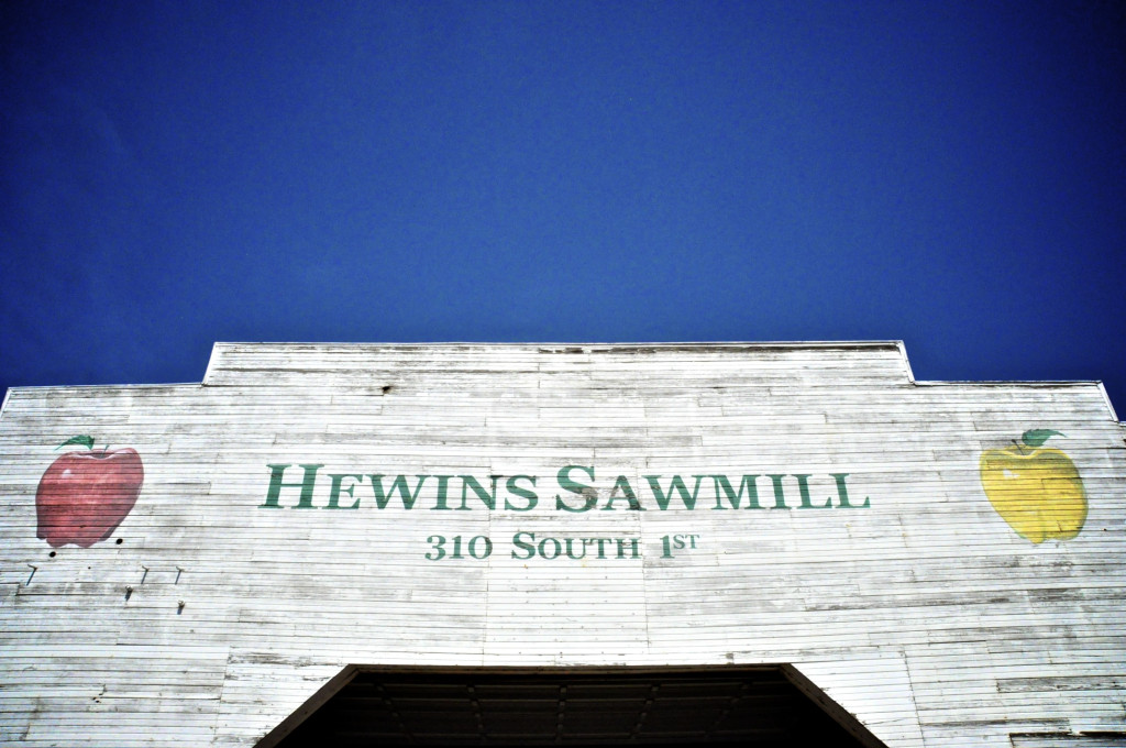Family road trip to Hewins Sawmill in Wathena, Kansas.....buying our flitch table for kitchen!